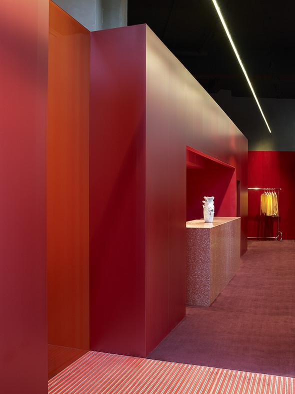 Новые магазины: Acne в Копенгагене, Dover Street Market в Токио и Prada в Москве. Изображение № 2.