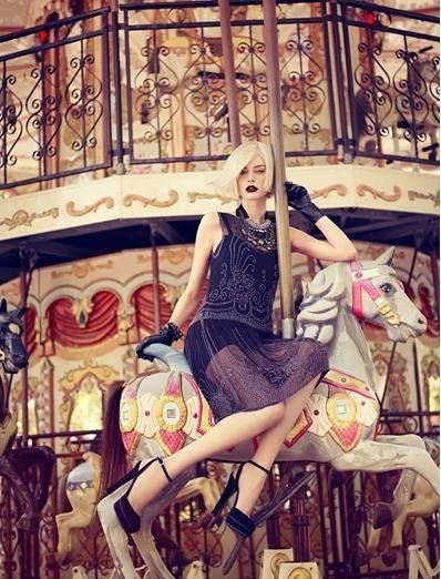 Съёмка: Аугусте Абелюнайте для Vogue. Изображение № 7.