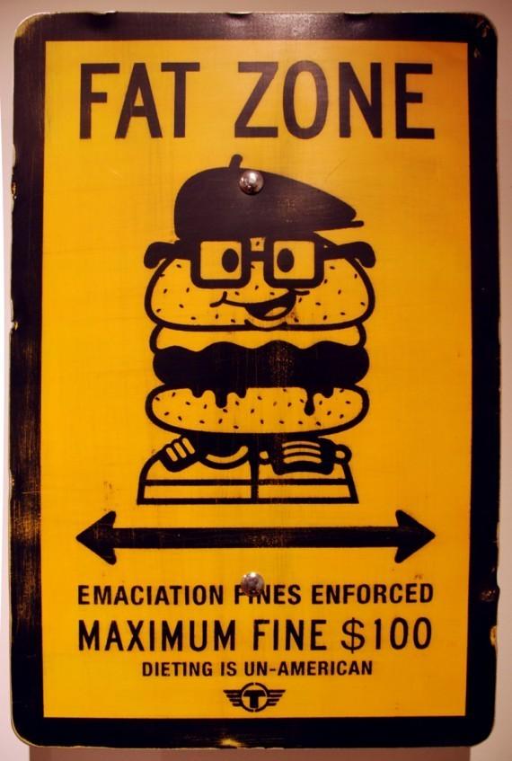 Новая мода стрит-арта: поддельные дорожные знаки. Изображение № 7.