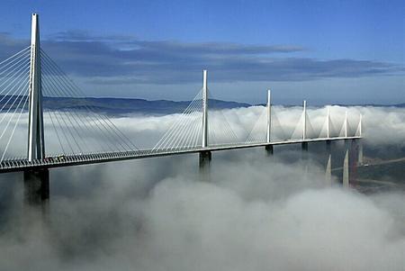 Самый высокий транспортный мост вмире. Изображение № 6.