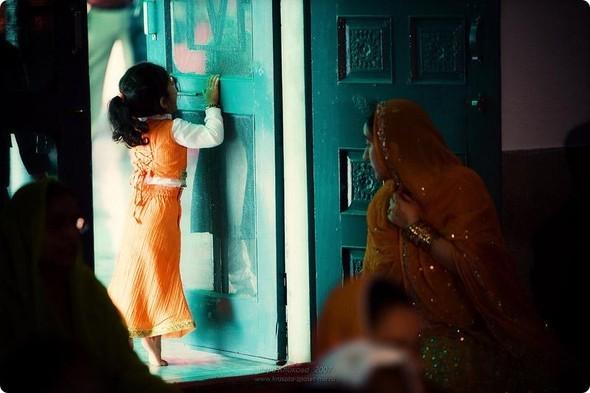 Надя иЧаранджит – Индийская сказка. Изображение № 51.
