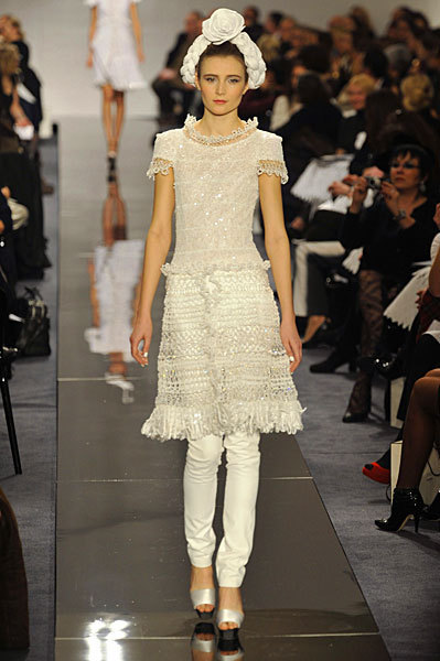 Chanel Spring 2009 Haute Couture. Изображение № 32.