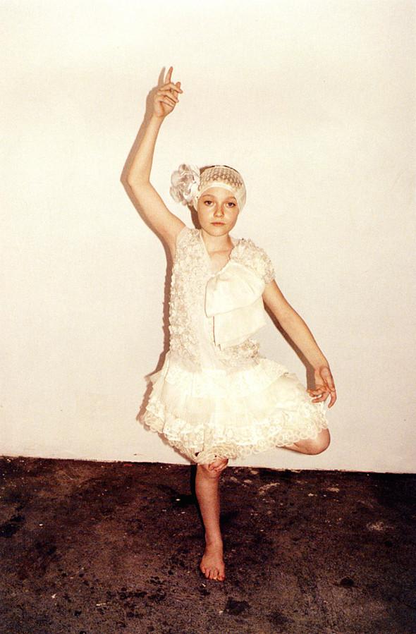 Архивная съёмка: Дакота Фаннинг для кампании Marc Jacobs SS 2007. Изображение № 9.
