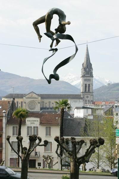 Скульптуры Джерзи Кедзиоры, парящие в воздухе. Изображение № 57.