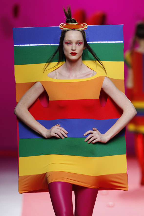 Испанцы Fall Winter 2011/2012: AGATHA RUIZ DE LA PRADA. Изображение № 12.