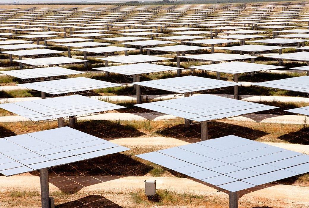 Как выглядит будущее: сотни гектаров солнечных ферм. Изображение № 12.