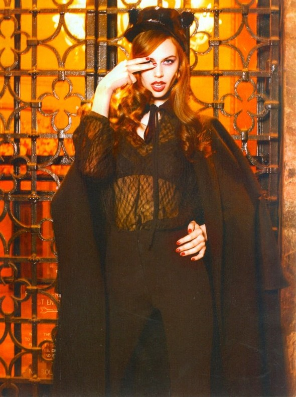 Съёмка: Джессика Кларк для Amica. Изображение № 7.