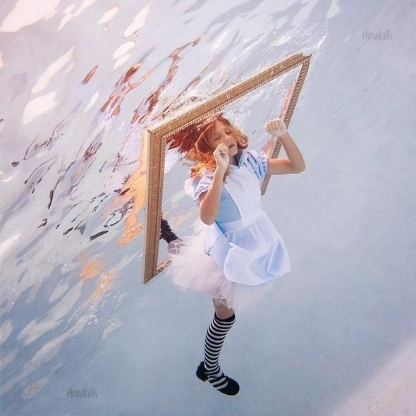 Alice in Waterland. Изображение № 22.