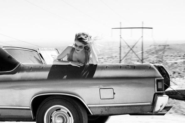 Съёмка: Эшли Смит для Oyster. Изображение № 11.