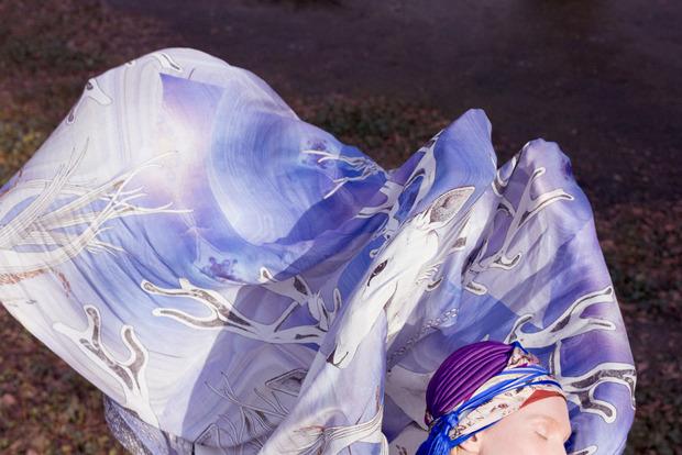 Завязать: 11 марок платков с принтами. Изображение № 27.