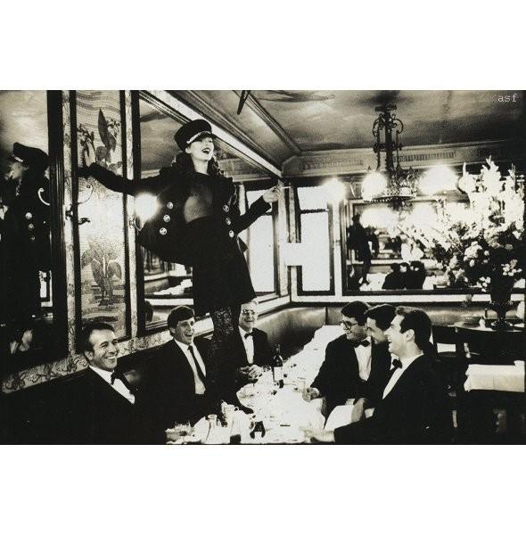 Архивная съёмка: Кейт Мосс для итальянского Vogue, 1993. Изображение № 7.