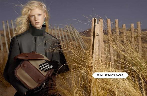 Кампании: Balenciaga, Celine, Dolce & Gabbana и другие. Изображение № 3.