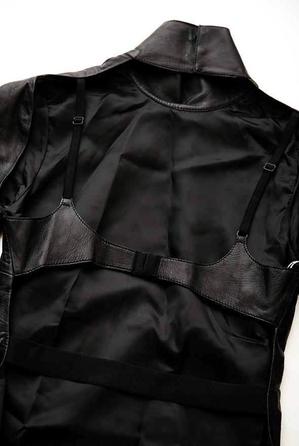 Вещь дня: кожаный топ Maison Martin Margiela. Изображение № 5.