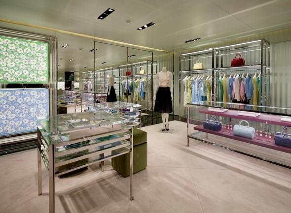 Новые магазины: Acne в Копенгагене, Dover Street Market в Токио и Prada в Москве. Изображение № 10.