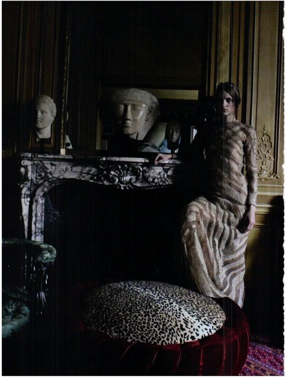 Съёмка: Кутюр Valentino в итальянском Vogue. Изображение № 7.