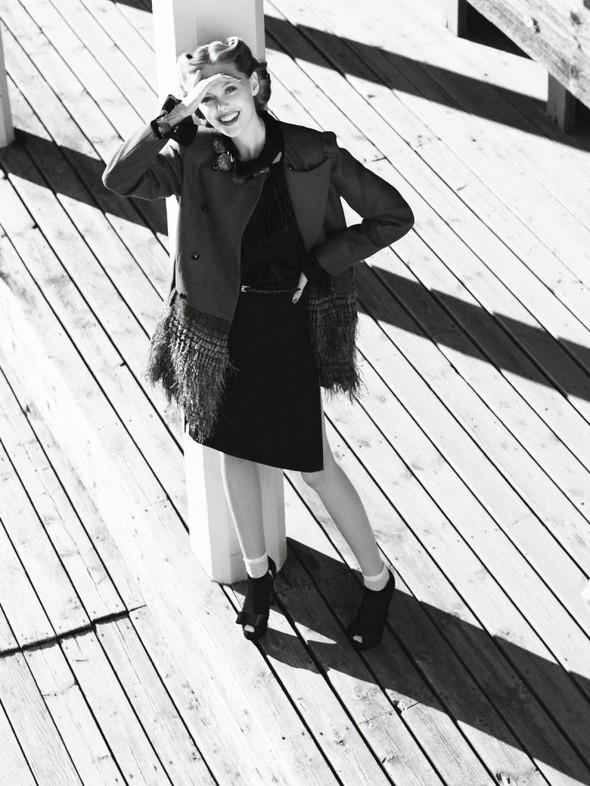 Съёмка: Фрида Густавссон для Elle. Изображение № 6.