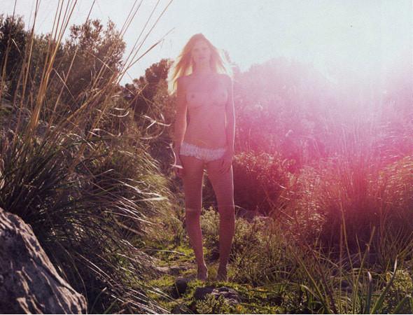 Части тела: Обнаженные женщины на фотографиях 1990-2000-х годов. Изображение №200.