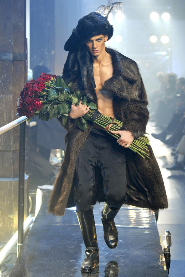 Джон Гальяно/ Осень-зима 2011/ Неделя моды в Париже. Изображение № 13.