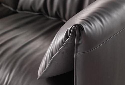 Модный диван John-John от Poltrona Frau. Изображение № 2.