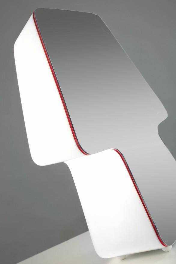 Зеркальная тень. Изображение № 3.