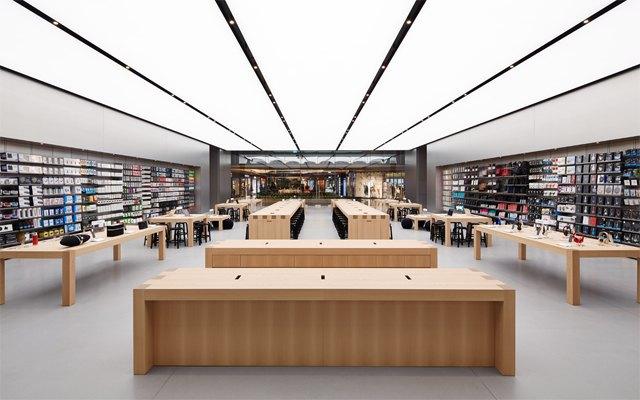 Опубликованы фотографии первого магазина Apple бюро Foster + Partners . Изображение № 1.