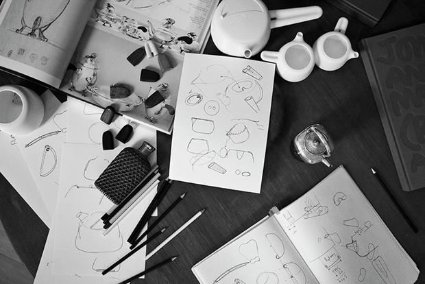 Дизайнер Марк Ньюсон создал серебряный чайный сервиз. Изображение № 20.