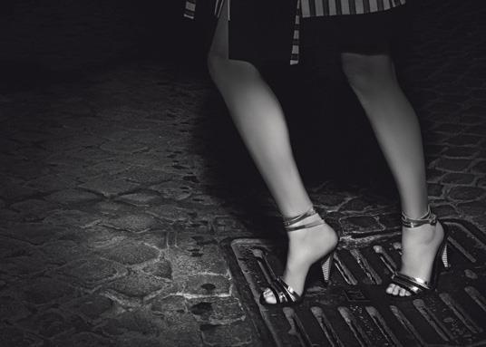 Кампания: Аризона Мьюз для Fendi. Изображение № 4.