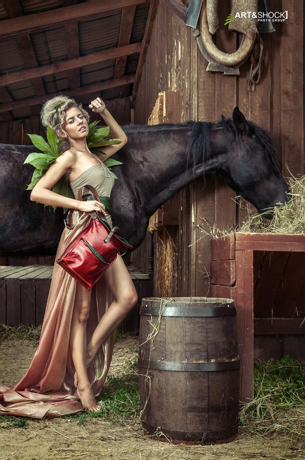 Лукбук кожаных сумок Ante Kovac. Изображение № 23.
