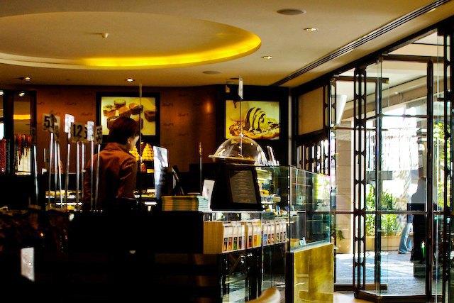Помещение кафе Lindt. Изображение № 1.