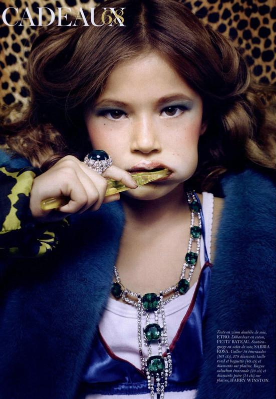 Маленькие модели в Vogue Paris. Изображение № 2.