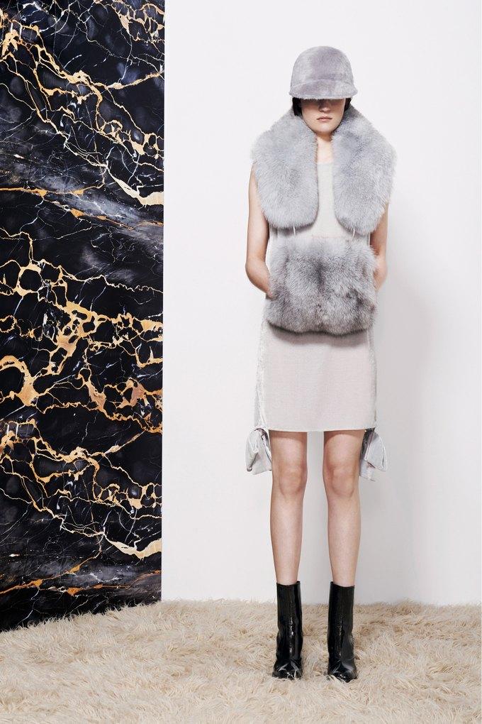 Katie Eary, Opening Ceremony и Катя Добрякова показали новые коллекции. Изображение № 30.