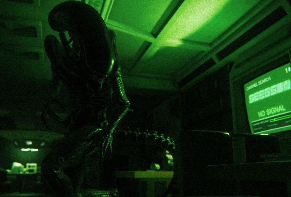 «Представь, что ты большой желтый круг!»:  Пятеро человек играют в Alien: Isolation. Изображение № 17.