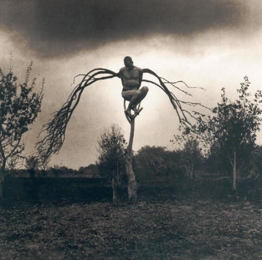 Изображение 77. Восемь фотографов сюрреалистов.. Изображение № 52.