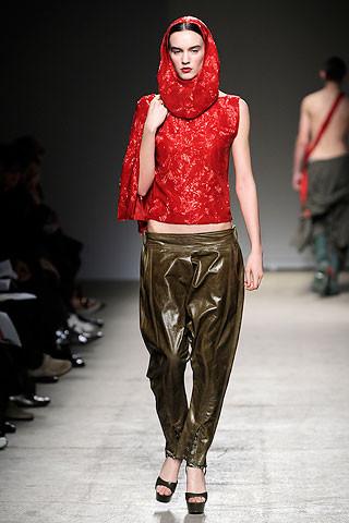 Thimister Haute Couture FW 2010. Изображение № 18.