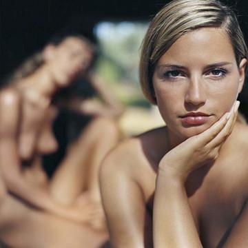Части тела: Обнаженные женщины на фотографиях 1990-2000-х годов. Изображение №69.