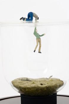 Нетрадиционный подход кфигуркам встеклянном шаре. Изображение № 45.