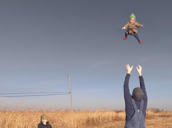 сюрреалистично-реальный мир Фотограф Julie Blackmon. Изображение № 2.