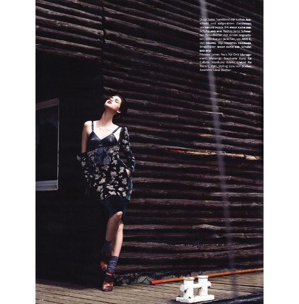 Съёмка: Анаис Пульо для немецкого Vogue. Изображение № 4.