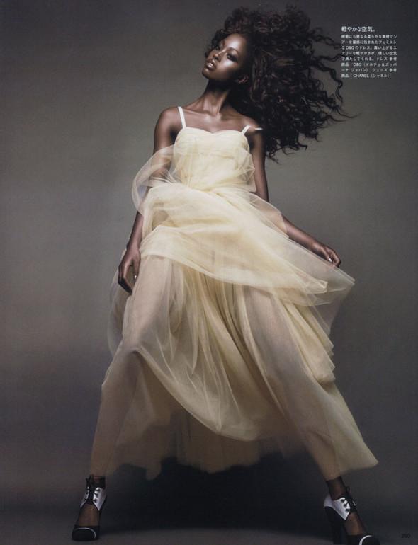 Съёмка: Няша Матонодзе для японского Vogue. Изображение № 6.