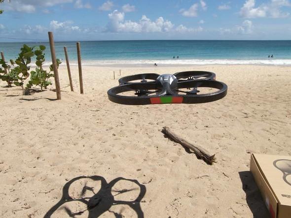 Parrot AR.Drone. Полетели!. Изображение № 14.