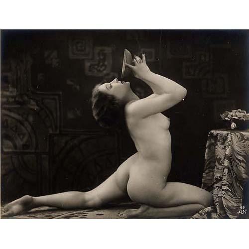Части тела: Обнаженные женщины на винтажных фотографиях. Изображение №15.