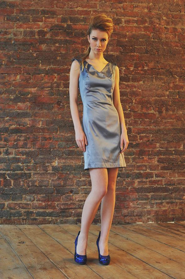 СW86 платье серое состав:70% хлопок, 30% шелк размеры: s, м. Изображение № 13.