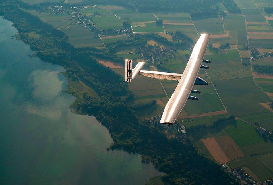 Первый самолёт  на солнечной энергии,  который долетит  на край света. Изображение № 8.