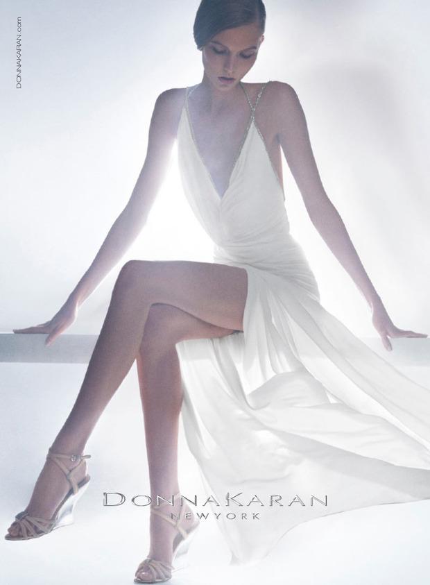 Вышли новые кампании Chanel, Donna Karan, Jaeger, Prada и THVM. Изображение № 6.
