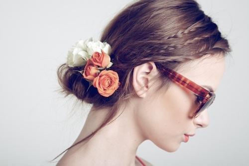 Цветы в волосах. Изображение № 7.