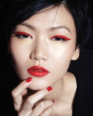 Red lipstick. Изображение № 25.