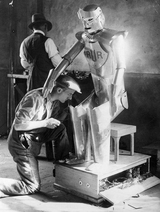Власть роботам: Каким представляли восстание машин в 1920-х годах. Изображение №6.