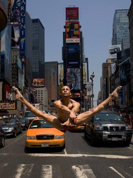 Человек танцующий. Изображение № 1.