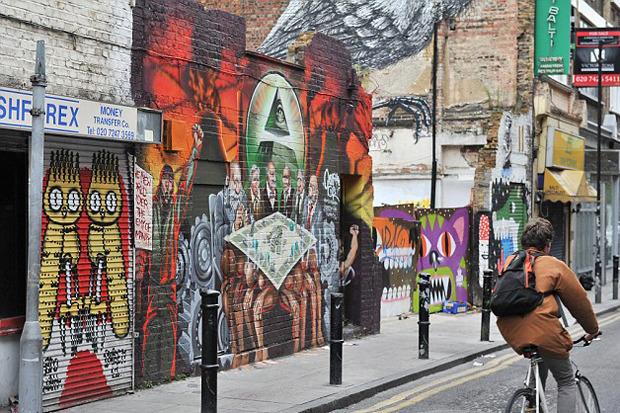 В Лондоне хотят разрушить протестное граффити. Изображение № 3.