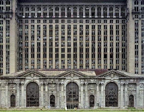 Изображение 1. Руины Детройта в парижской галерее.. Изображение № 1.